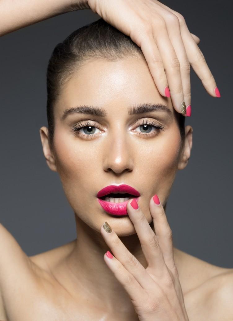 Bright pink lip